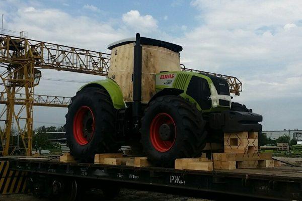 картинка перевозка трактора